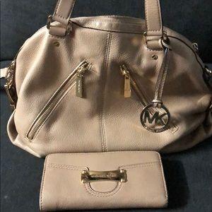 Michael Kors Satchel Handbag/wallet